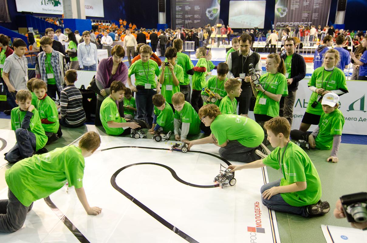 《Robofest》机器人技巧比赛将于周末在符拉迪沃斯托克举行